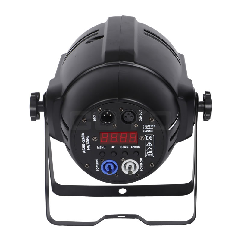 Zoom LED PAR PowerCon In Out